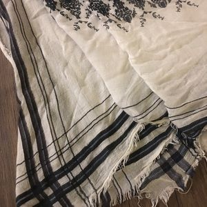 LOFT Accessories - Lightweight blanket scarf
